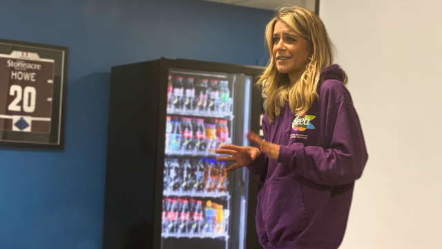 Gemma Oaten visits Club Doncaster Sports College to give informative talk on eating disorders